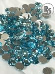 34ss TURQUOISE 2080/4 Flatback Pearl Cabochons